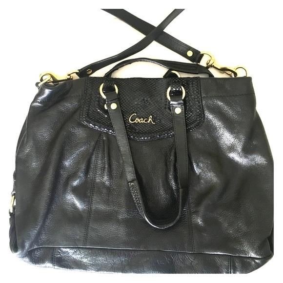 Coach Handbags - Large Coach shoulder bag